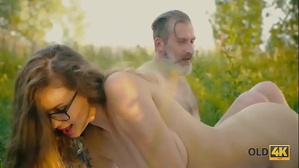 OLD4K. Bookworm doesnt mind having outdoor sex with hungry old guy