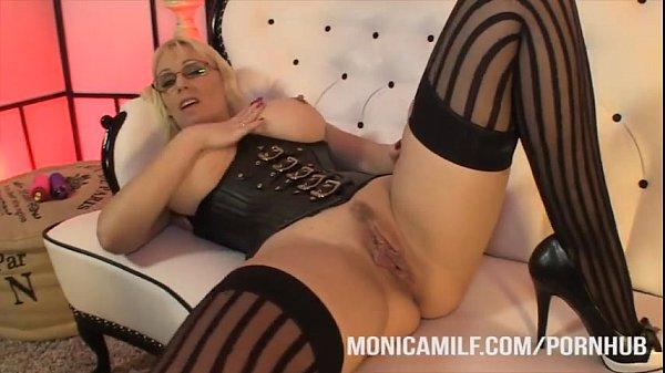 Nasty solo slut milf begs for cum