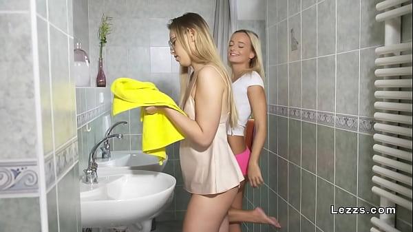 Blonde lesbian hotties licking