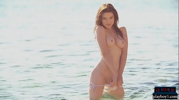 Perfect body MILF model Serena Wood strips outdoor