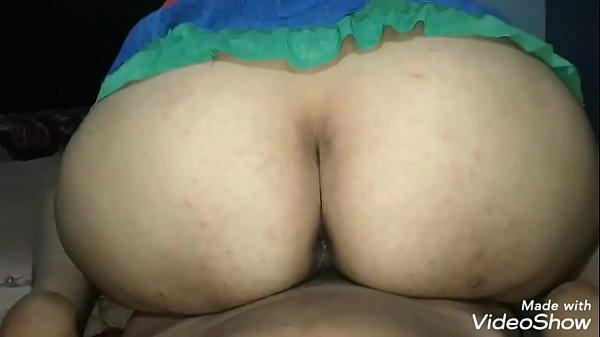 मेरी बहना की गांड देखो बहुत अच्छी है और ऊपर आकर...