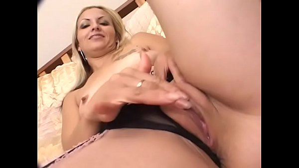 Cute blonde floozie with juicy round ass Munteca likes to feel hard schloeng of always horny Red Chief Thumb