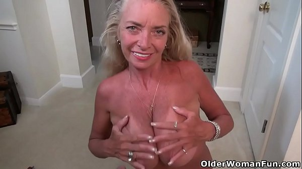 American milf Kyle shows us her naughty side Thumb