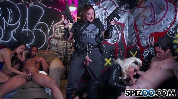 Spizoo - Gabby Quinteros and Vyxen Steel get fu...
