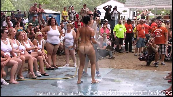 amateur nude contest at this years nudes a popp...