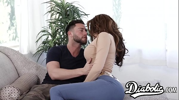 Busty cougar Savana Styles makes stepsons dreams cum true