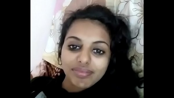 Sexy Indian gf Showing Her Boobs