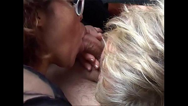 Two mature Italian sluts share the young nephew...
