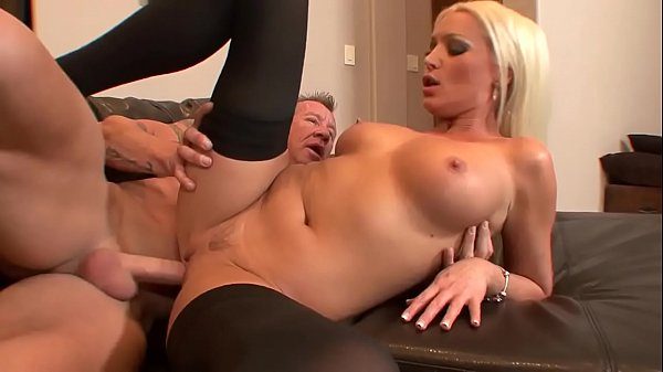 Dianna wanted to fuck her father back home if he fucks her badly