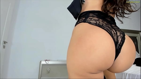 Long Hair Brunette shows her gorgeous butt to strangers live on cam Thumb