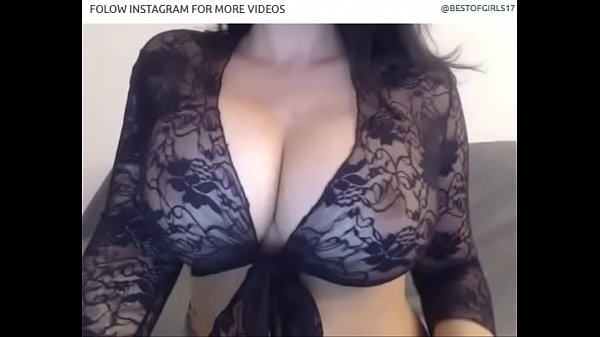 Milf play with tits