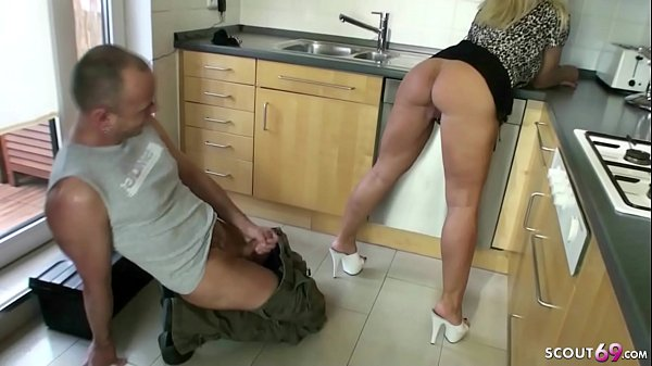 GERMAN WIFE SEDUCE THE REPAIRMAN TO FUCK HER ASSHOLE