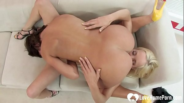 Sexy lesbians do oral before using a strapon