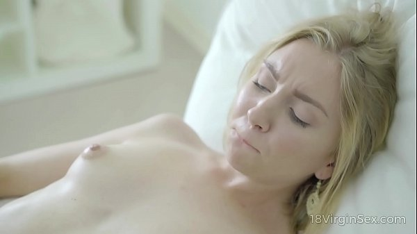 18 Virgin Sex - Sweetie fills her lonely day wi...