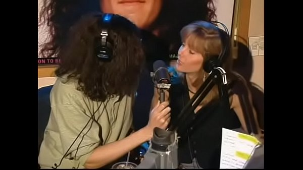 Howard Stern kisses & massages Gretchen Becker(Actress) ass.