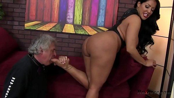 cora comfort porn