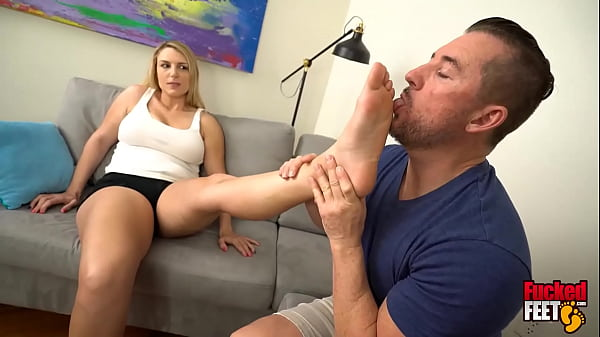 Blonde Chick Joslyn Jane Gives Amazing Foot Job And It's Her 1st Time!