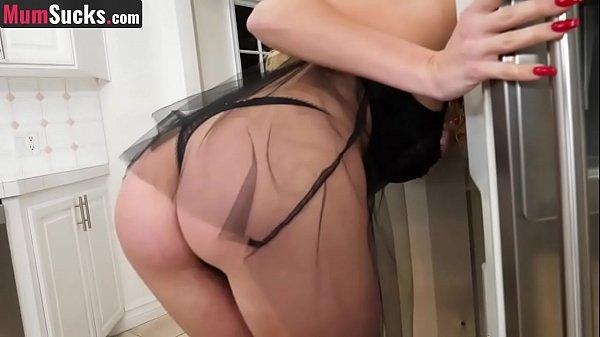 Guarda video porno scopata da madre si è svegliata