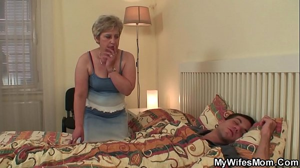 Old m. inlaw wakes him up for cheating sex Thumb