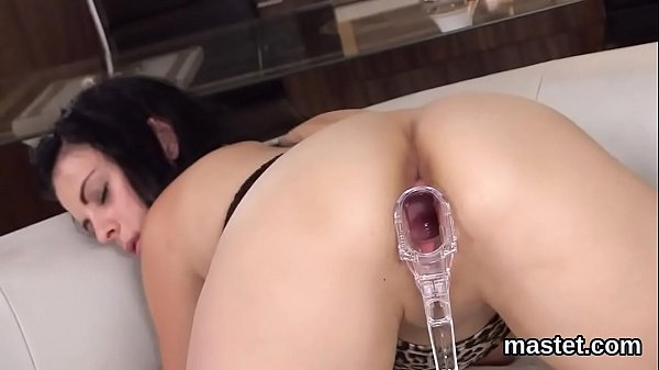 Hot czech sweetie spreads her narrow hole to the peculiar