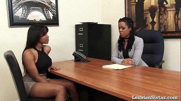 Black Lesbians Jenna and Kira Cum Hard with Sybian!
