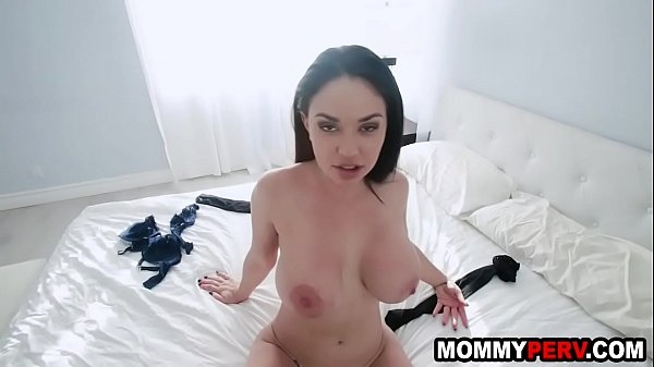 Jealous milf mom tells her son to break up with his girlfriend