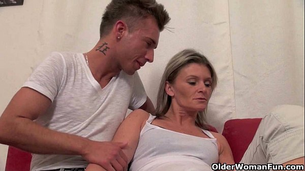 Mommy wants you to cum in her mouth
