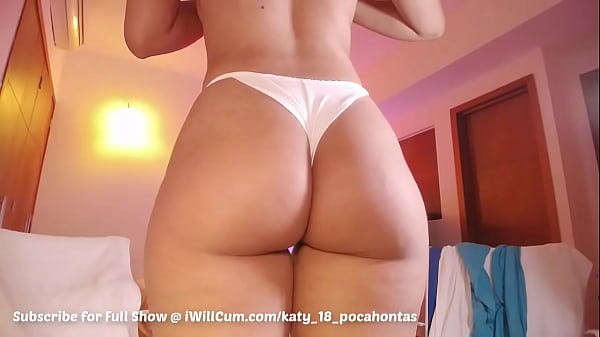 Bubble Butt Latina Beauty Has The Juiciest Soaking Wet Squirts