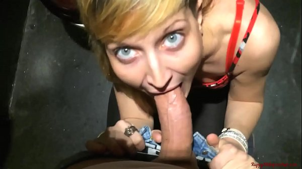 The boss daughter fuck me in public toilet! Ana...