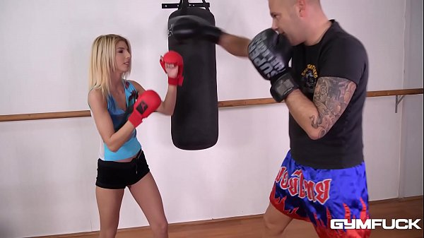 Gym fuck fan Missy Avluv in booty shorts fantas...