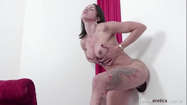 Brunette Elisa fucking and sucking in the glory...