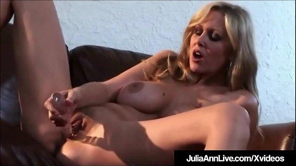 Horny Hot Milf Julia Ann Rubs & Dildo Fucks Her...