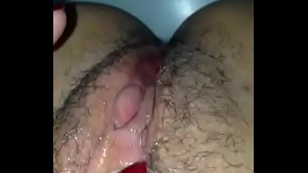 se masturbando pensando no meu pau.