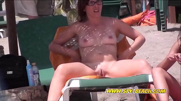 Hot Nudist Beach Voyeur Females Hidden Cam Video Part 1 Thumb