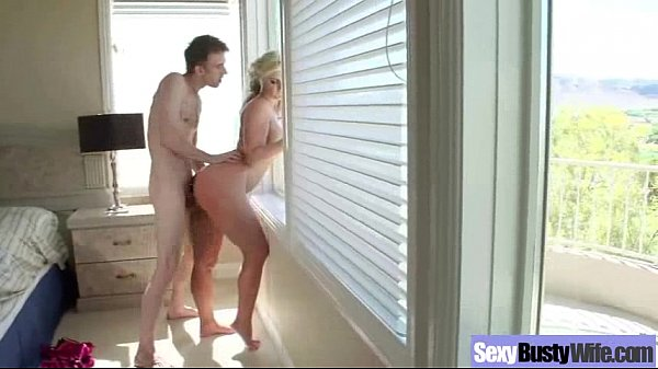 Housewife (phoenix marie) With Big Juggs In Har...