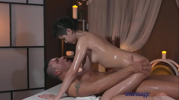 Massage Rooms Petite y. has her tiny hole fille...