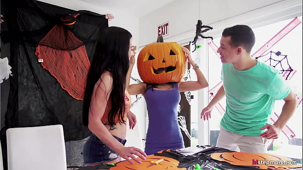 Stepmom's Head Stucked In Halloween Pumpkin, Stepson Helps With His Big Dick! - Tia Cyrus, Johnny Thumb