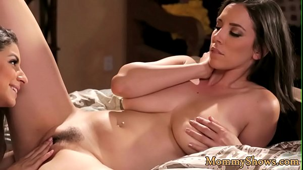 Glamcore stepmom scissoring with stepdaughter