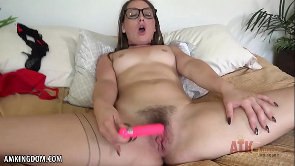 Taylor Pierce orgasms for your eyes only