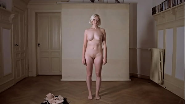 Regular girls, not actresses, strip completely naked for a mainstream documentary - Venus (2016)