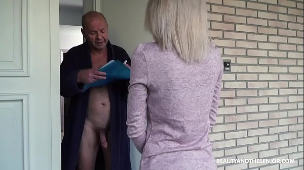 Old grandpa gets horny and fucks the delivery girl Thumb