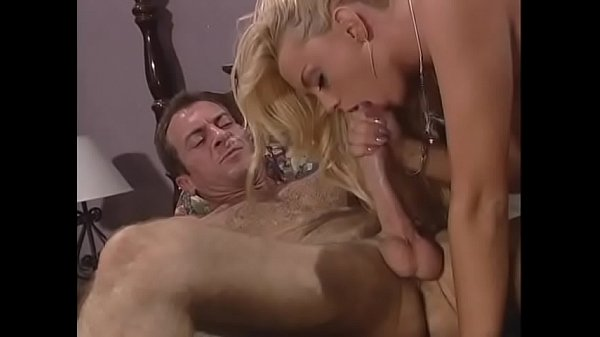 Classic stud fucks blond's shaved pussy then cums on it on bed Thumb