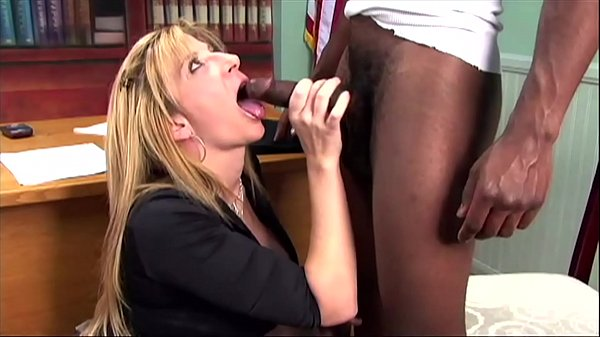 Babesalicious - Secretary get a black dick in t...