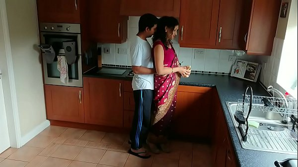 Red saree Bhabhi caught watching porn seduced a...