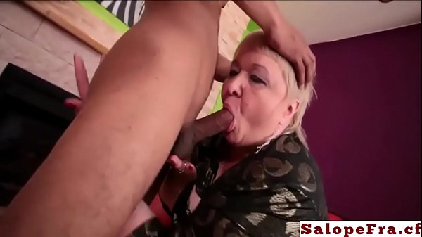 Huge MILF gros cul gros corps baise anal compil...