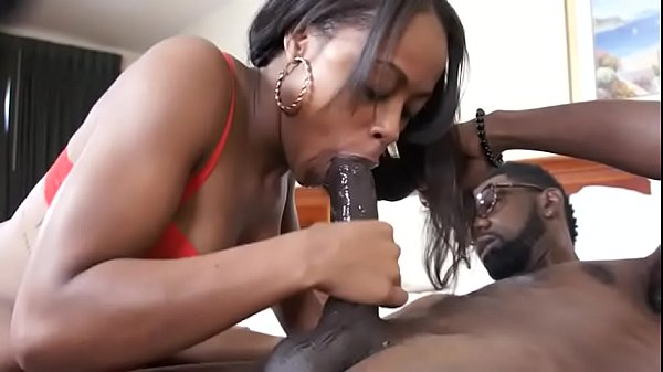 petite black girl gets fucked deep