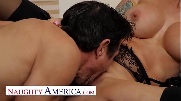 Naughty America - Sarah Jessie is on the hunt f...