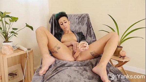 Yanks Cutie Andre Shakti's Big Dick Cum Thumb