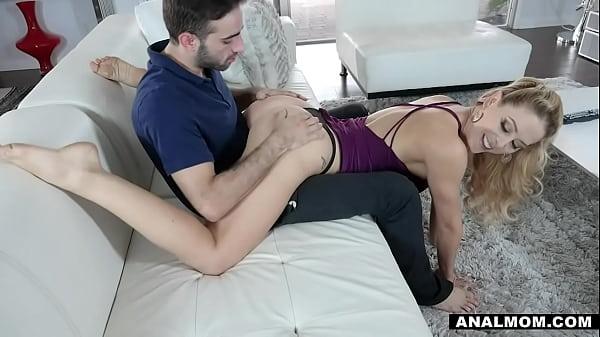 Big Tits Blonde MILF Stepmom Cherie Deville Ana...