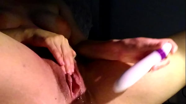 Wild solo squirting